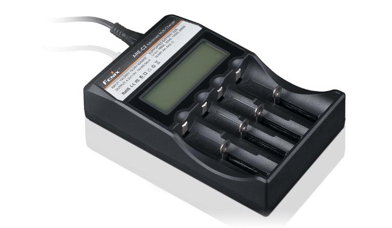 Univerzálna nabíjačka Fenix ARE-C2