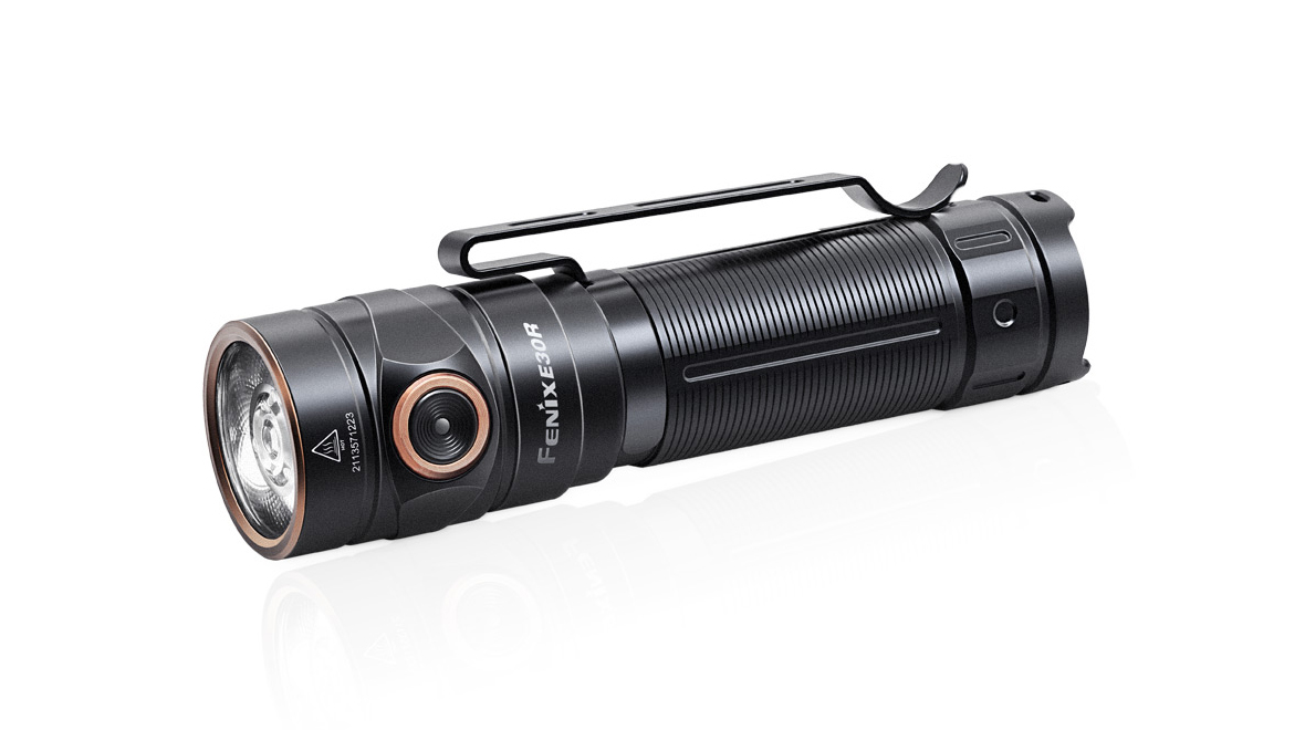 Nabíjateľná LED baterka E30R